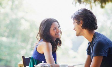 Comment reconnaître les gestes d'un homme amoureux?