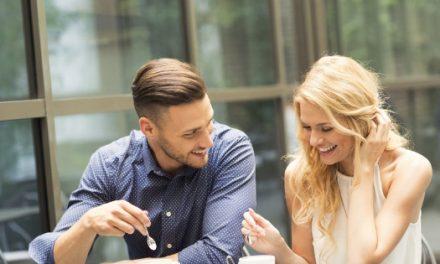 Comment maîtriser l'art de complimenter une femme ?